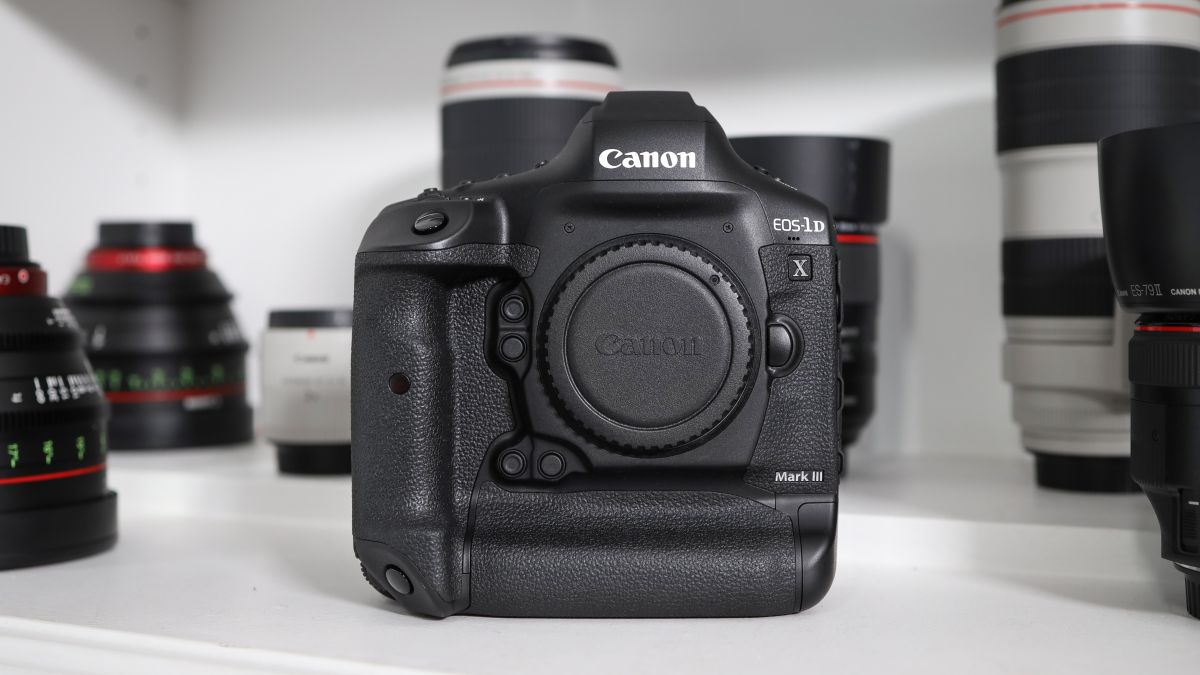"""Canon EOS-1D X Mark III announced: """"hybrid"""" DSLR has deep learning AF with """"28x more resolution than 1D X Mark II"""""""