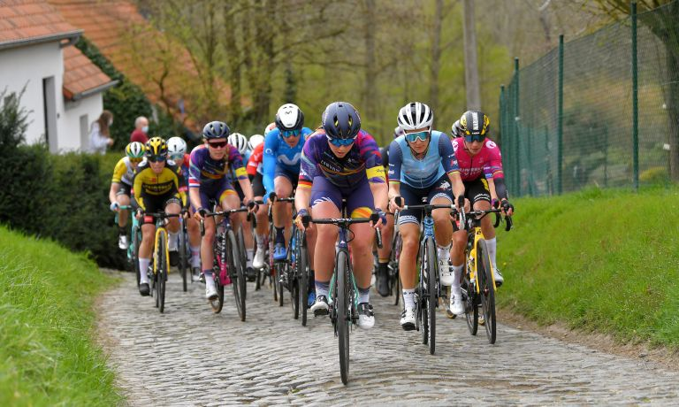 The women's peloton at the 2021 Tour of Flanders