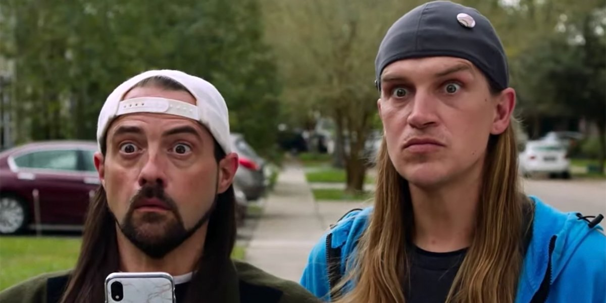 Jay And Silent Bob Reboot the boys are shocked on the sidewalk