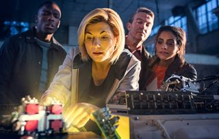 'Coronation Street in space!' Fans amazed by number of ex Corrie stars in Doctor Who!