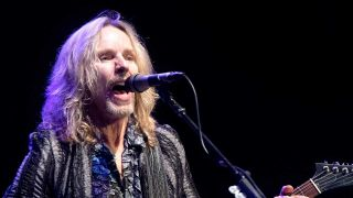Tommy Shaw onstage