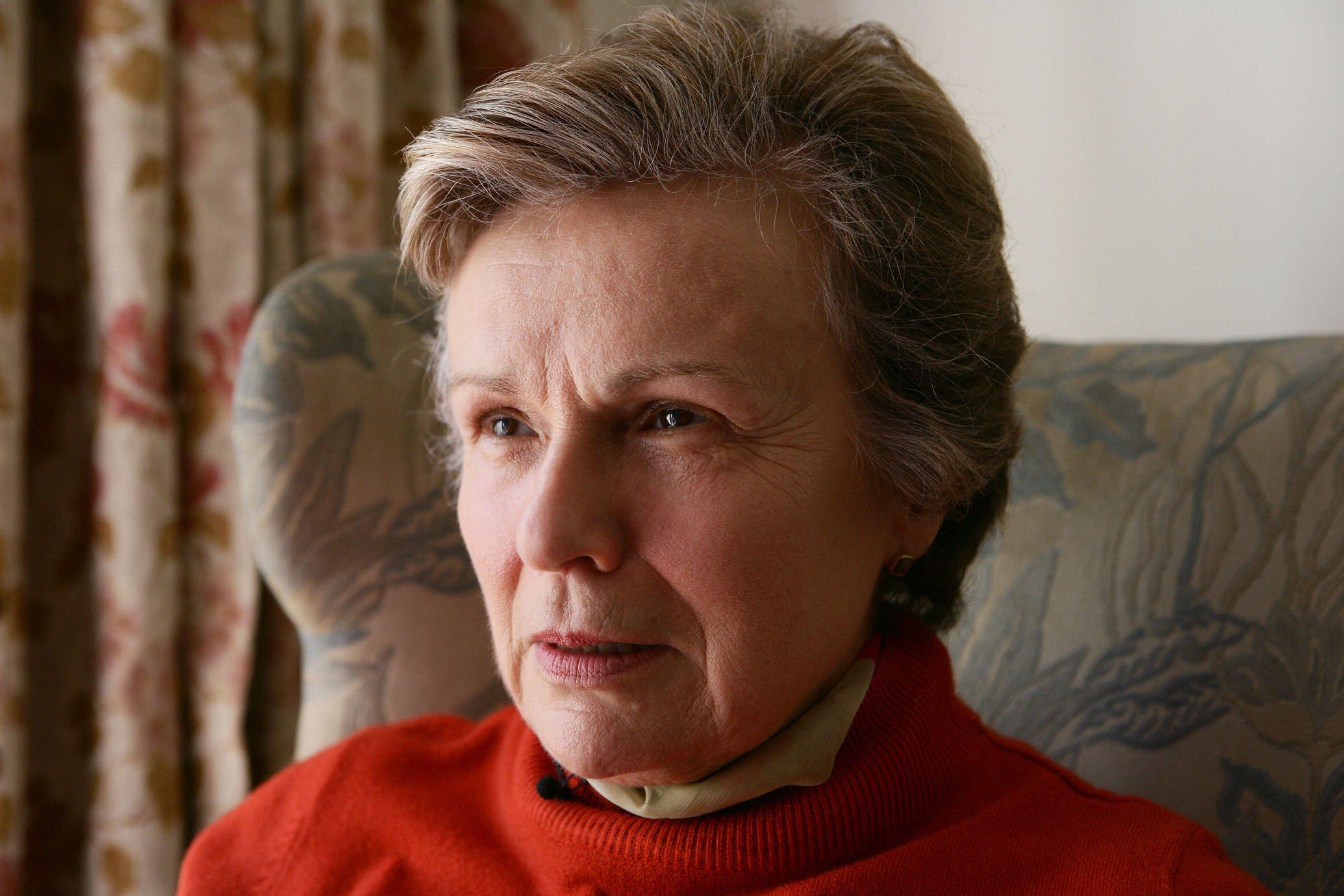 Julie Walters: 'Anne wasn't a victim' (VIDEO)