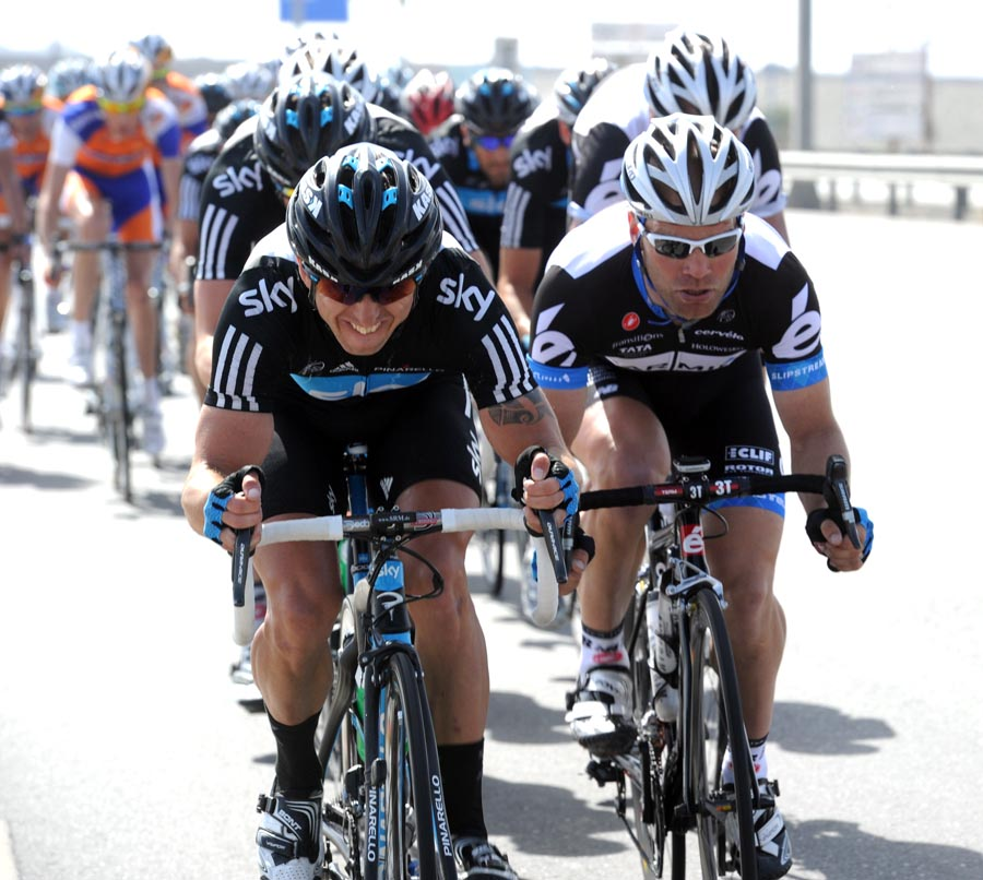 Russell Downing and Roger Hammond, Tour of Oman 2011, stage four