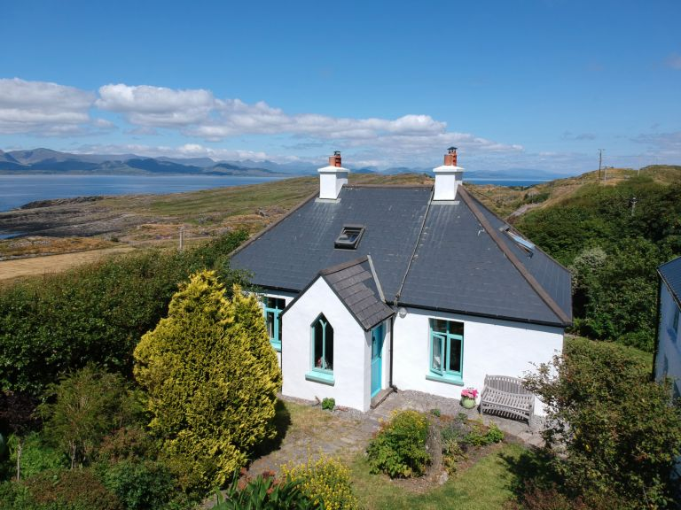 Exterior of Irish cottage