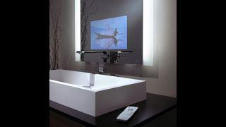 Séura Exhibits Indoor Waterproof Displays and Lighted Mirrors at InfoComm