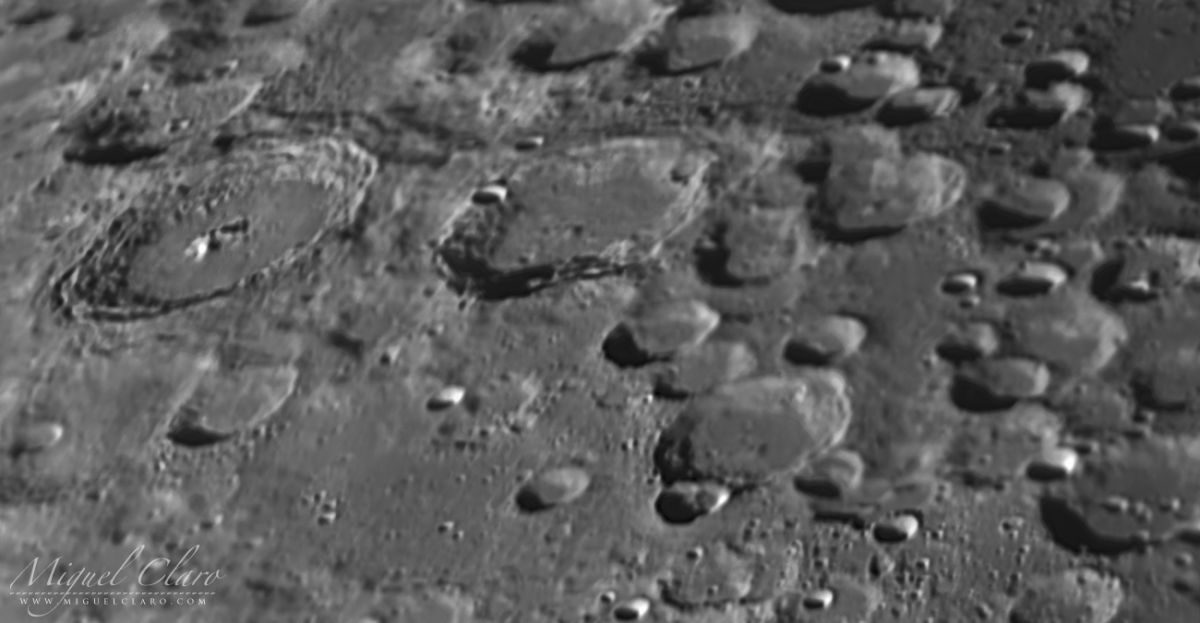 This Impact Crater on the Moon Is Nearly the Size of Hawaii's Big Island (Photo)