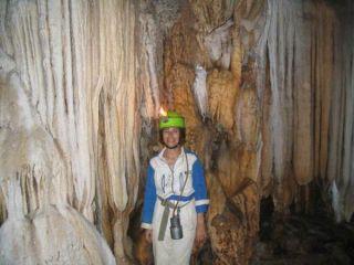 cave-laos-liz-110421-02