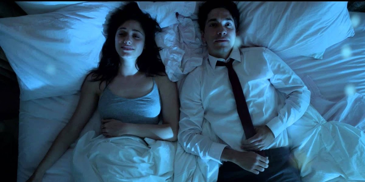 Emmy Rossum and Justin Long in Comet