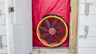 testing a house for airtightness