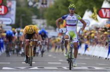 The Sagan shuffle. Peter Sagan (Liquigas-Cannondale) wins in Seraing.