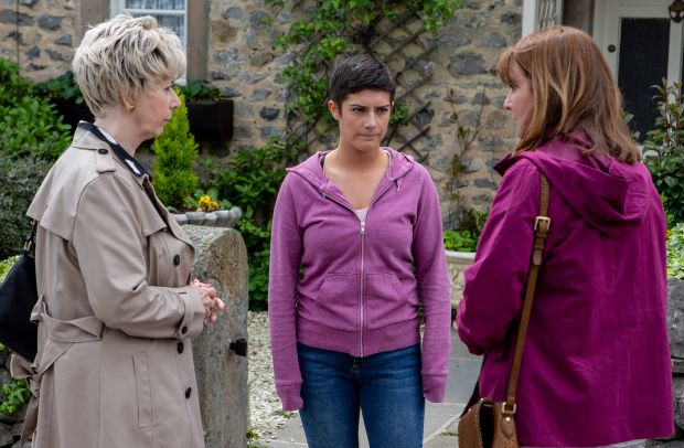 Emmerdale Spoilers, News And Pictures