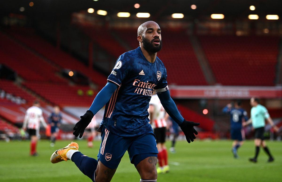 Alexandre Lacazette double sends Sheffield United closer to relegation
