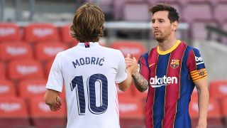 Real Madrid vs Barcelona strøm El Clasico - Messi and Modric