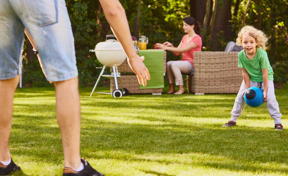 Garden Furniture The Best Deals From B Q Homebase And Amazon Homebuilding