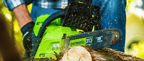 Greenworks 60-volt Lithium Ion Chainsaw