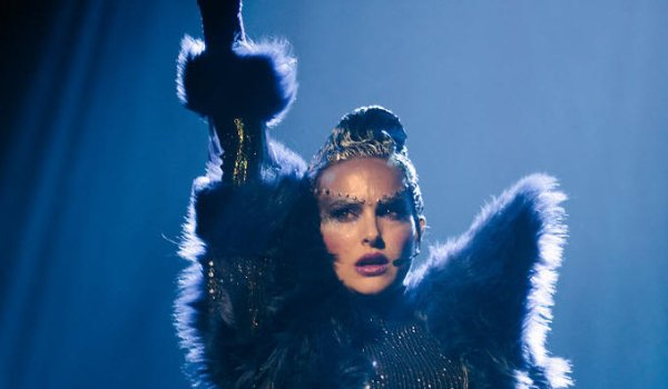 Vox Lux Natalie Portman poses in the middle of a concert