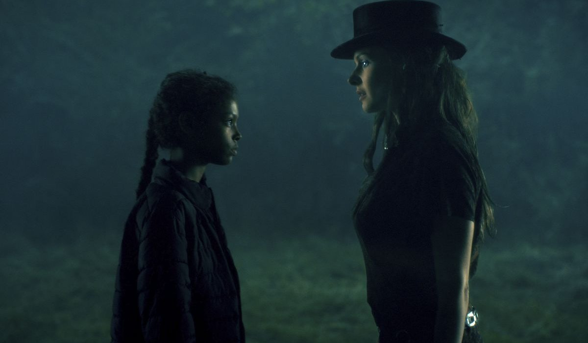 Doctor Sleep Abra and Rose the Hat face to face in the woods