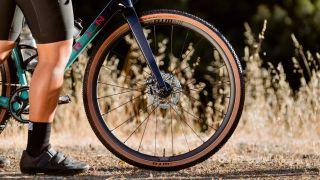 gravel carbon wheels