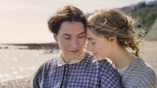 Kate Winslet and Saoirse Roman in Ammonite.