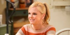 Why Mom Star Anna Faris Is Exiting The Show Ahead Of Season 8