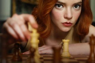 Elizabeth Harmon in the Queen's Gambit.