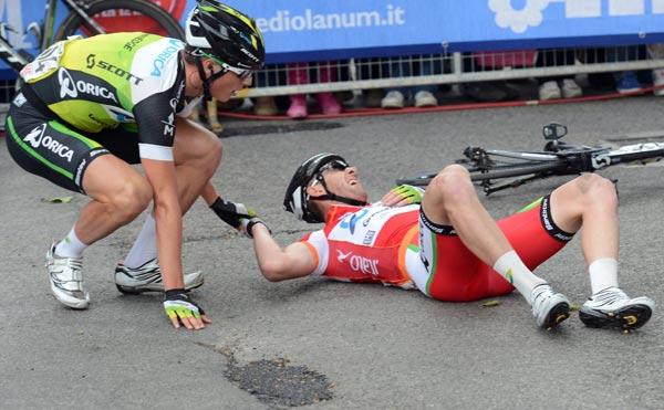 Matt Goss in sprint crash, Giro d'Italia 2012, stage nine