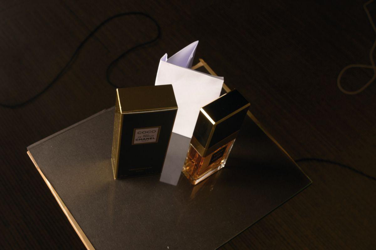 Home Photography Idea Perfect Perfume Bottle Product Shots Digital Camera World