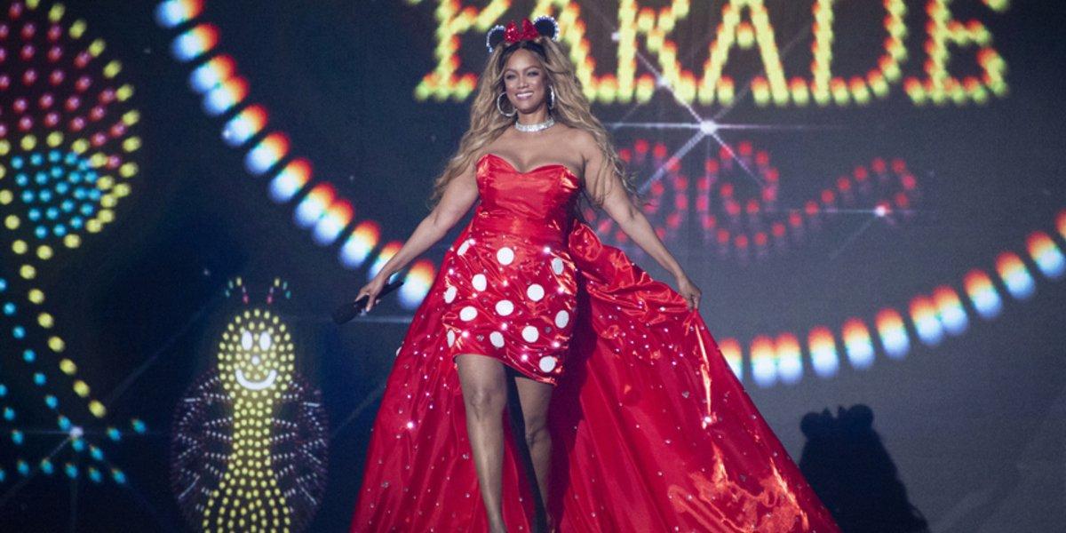 tyra banks dancing with the stars season 29 disney night