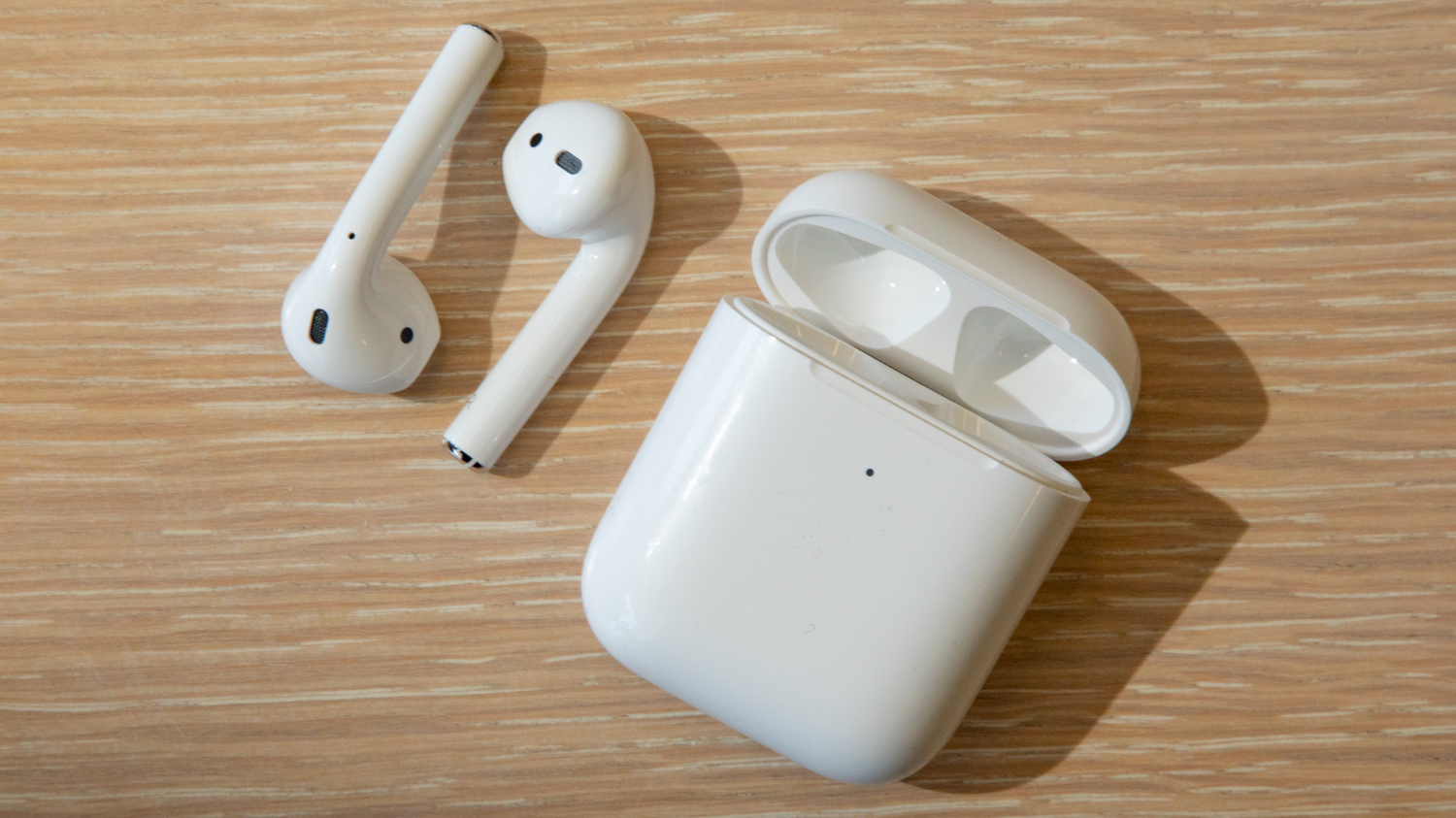 Airpods 2 Vs Airpods What S Different Tom S Guide