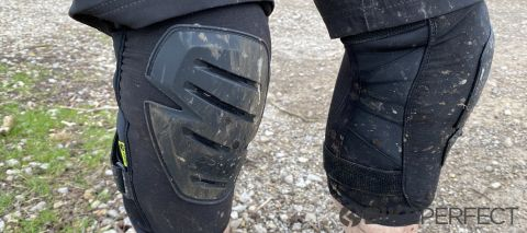 IXS Carve Race knee pads