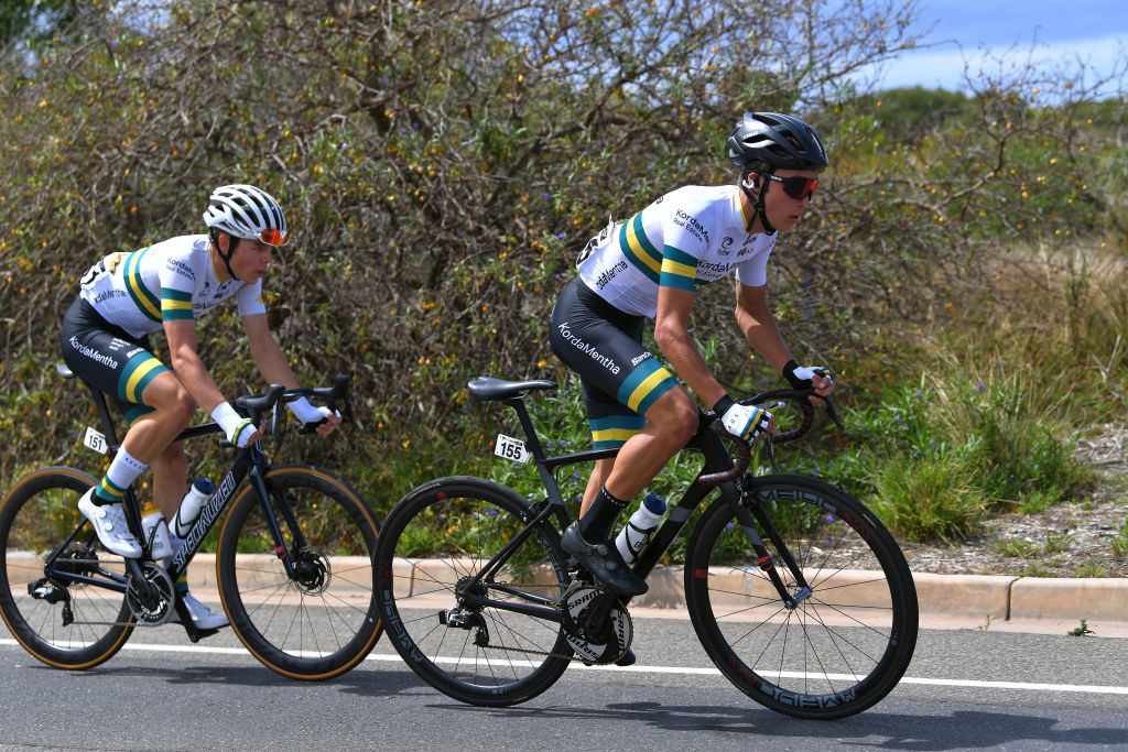 Carter Turnbull and Elliot Schultz – both of the Kordamentha Australian National Team – formed the day's main breakaway