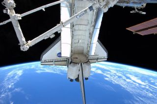 Shuttle Astronauts Pack Up to Leave Space Station
