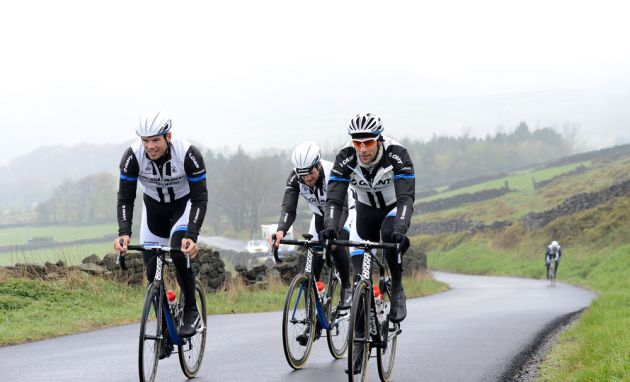 giant-shimano-tour-recon-Bradfield-Climb-4