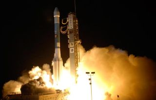Red Planet Rising: NASA's Phoenix Probe Launches Towards Mars