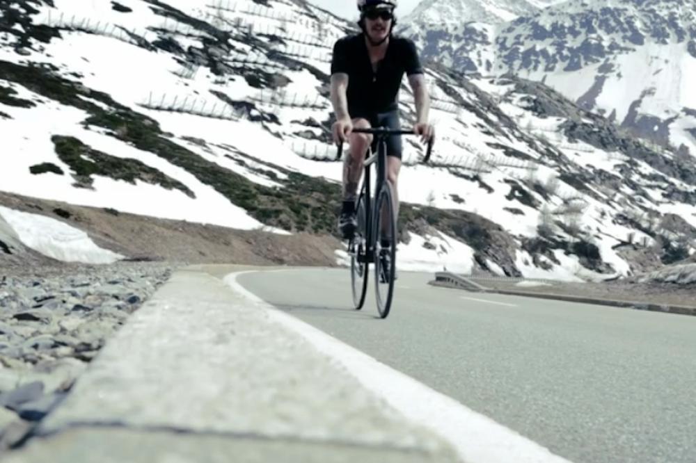 Fixie rider completes epic 300km Tour de France mountain ...