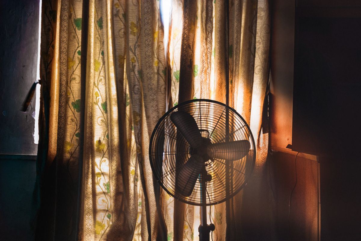 8 surprisingly efficient ways to cool your home without air conditioning
