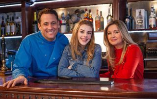 Youtuber Amelia Gething visits Tony Hutchinson and Diane Hutchinson at The Hutch to review it in Hollyoaks.