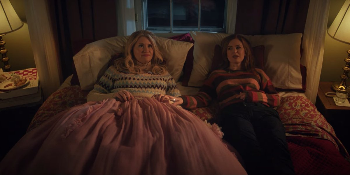Disney+'s Godmothered Trailer: Jillian Bell And Isla Fisher's Upcoming Comedy Is Pure Magic