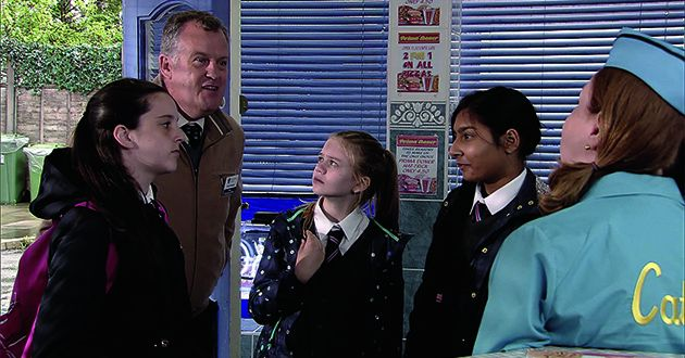 Amy Barlow thinks up a dare for Asha Alahan. Summer Spellman feels left out. What have they got in store for Brian Packham this time in Coronation Street.
