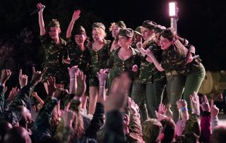 Pitch Perfect 3 Emily (HAILEE STEINFELD), Lilly (HANA MAE LEE), Chloe (BRITTANY SNOW), Jessica (KELLEY JAKLE), Beca (ANNA KENDRICK), Cynthia Rose (ESTER DEAN), Fat Amy (REBEL WILSON), Flo (CHRISSIE FIT) and Ashley (SHELLEY REGNER)