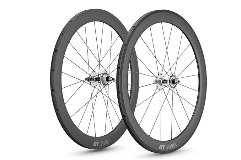 DT Swiss produced its own full track wheel last year and it's a good one. Here is the review of the DT Swiss RC 55 Track T wheelset.