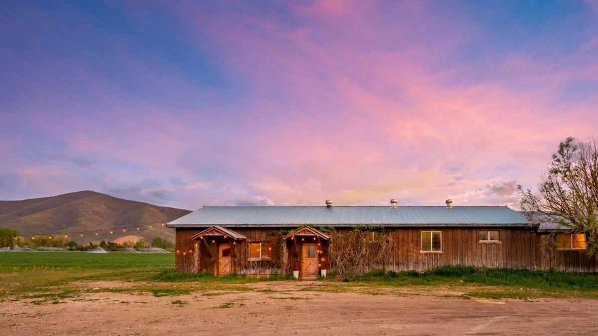 Inside Robert Redford's 'Horse Whisperer' ranch in Utah – listed for $4.9 million