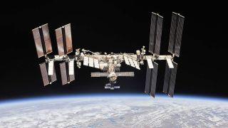 L'ISS en orbite autour de la Terre