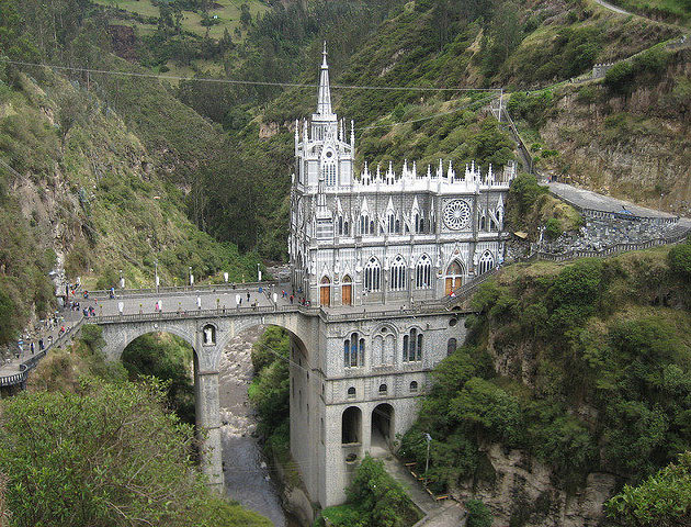 las lajas sanctuary in Colombia: famous buildings