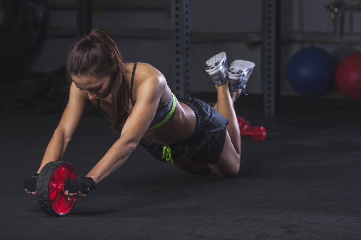 Ab roller workout: a killer routine to sculpt your core