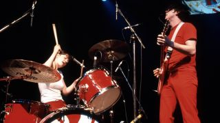 Photo of Jack WHITE and Meg WHITE and WHITE STRIPES, Meg and Jack White performing on stage