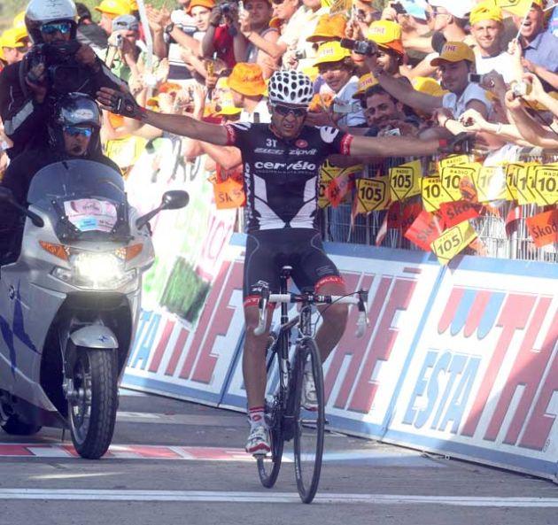 Carlos Sastre wins