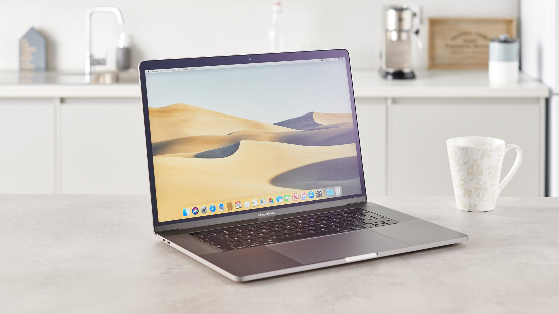 APPLE MacBook Pro (2019) 15 Laptop