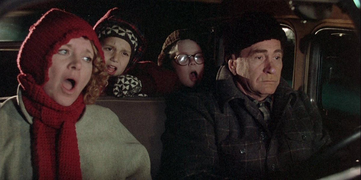 Melinda Dillon, Ian Petrella, Peter Billingsley, and Darren McGavin in A Christmas Story