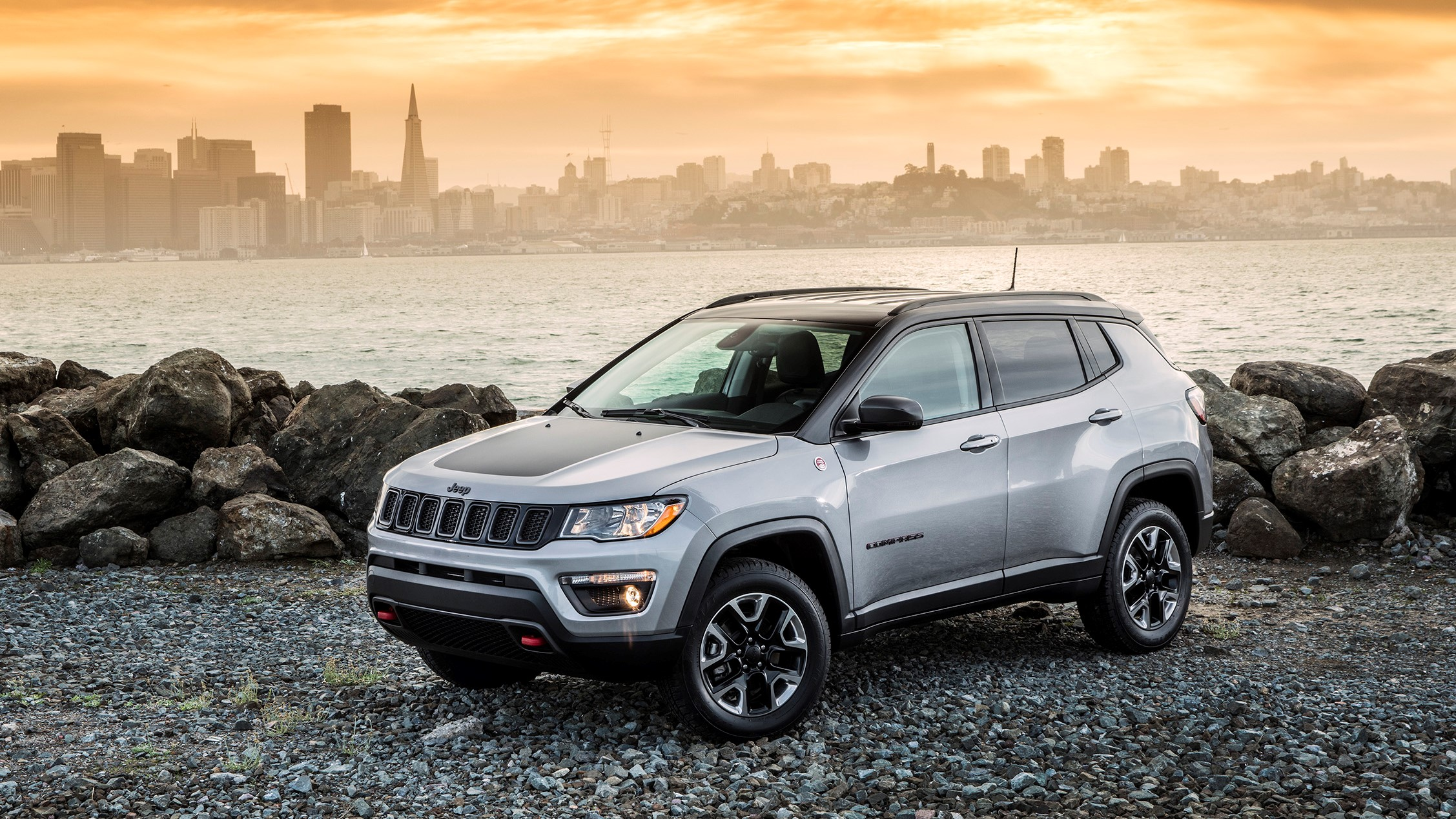 The 2020 Jeep Compass has a 4x4 snow mode that kept me from sliding into a ditch